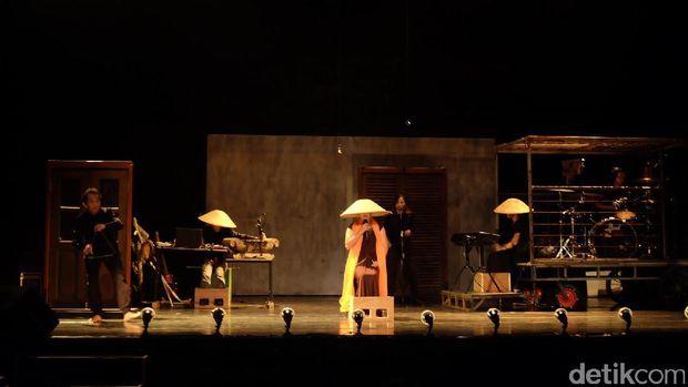 'Perempuan Perempuan Chairil' hingga Tari Ghulur, Ini 10 Seni Pertunjukan Terhot