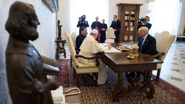 Donald Trump menemui Paus Fransiskus