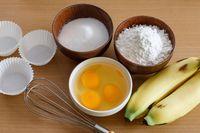 Bahan-bahan yang bisa digunakan untuk membuat brownies pisang.