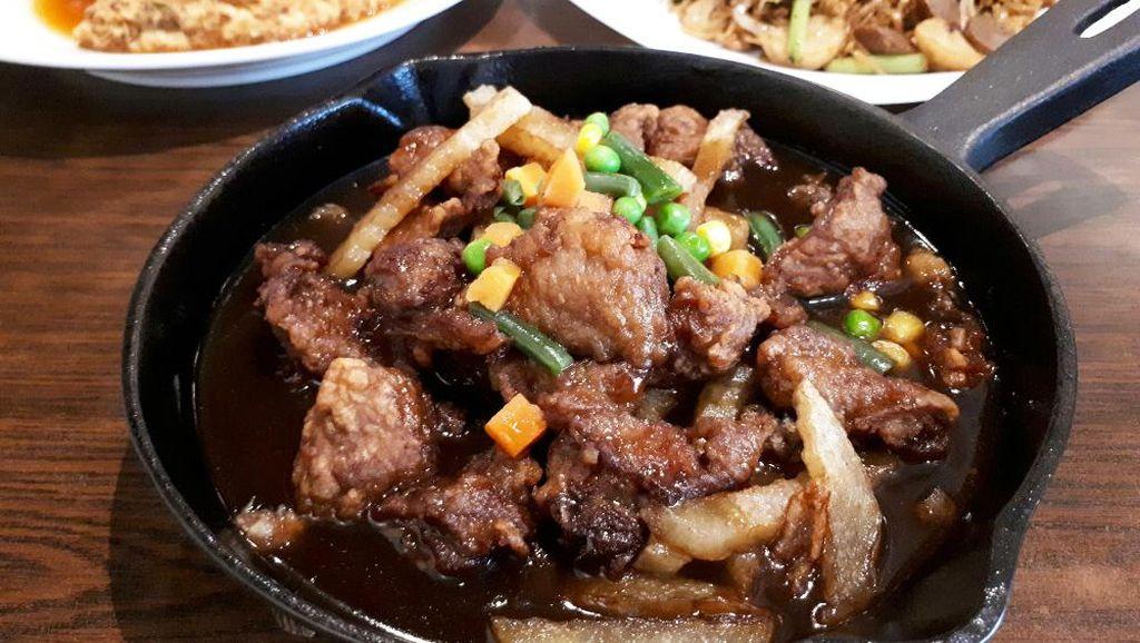 Enaknya Bistik Sapi dan Fuyunghai Udang Racikan Restoran Legendaris