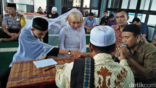 Pasangan Aina dan Yudha dinikahkan, Senin (29/5/2017)