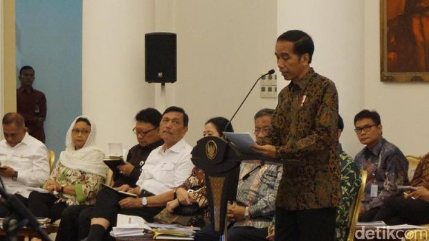 Presiden Jokowi di sidang kabinet paripurna, Senin (29/5/2017)