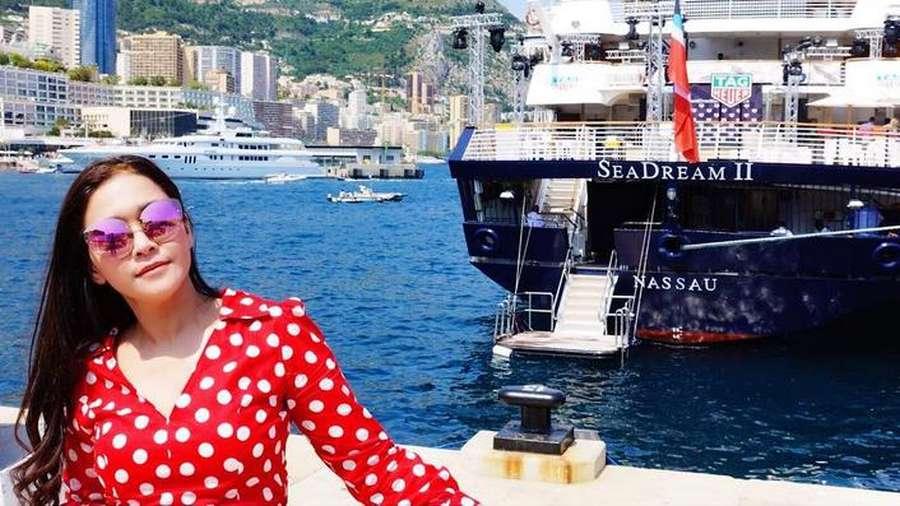 Momen Liburan Maia Estianty di Monako, Sama Pacar?