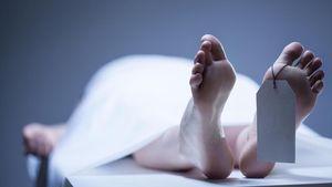 Mayat Pria Ditemukan Tersangkut di Pintu Air Kramat Jati