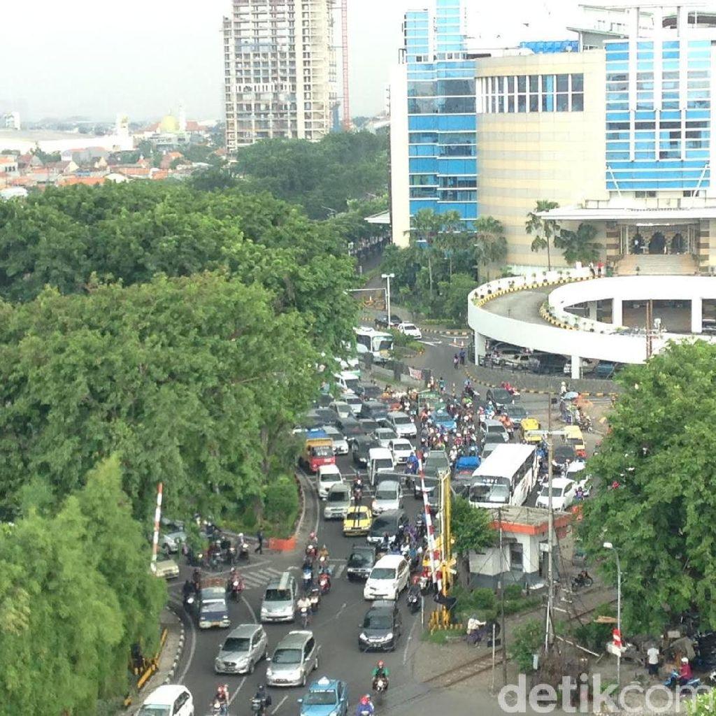 Pos Perlintasan Kereta di Wonokromo Dipindah Selesai Akhir 2017