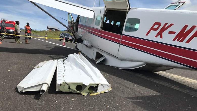Pesawat Kemenhub Tergelincir di Bandara Pattimura Ambon