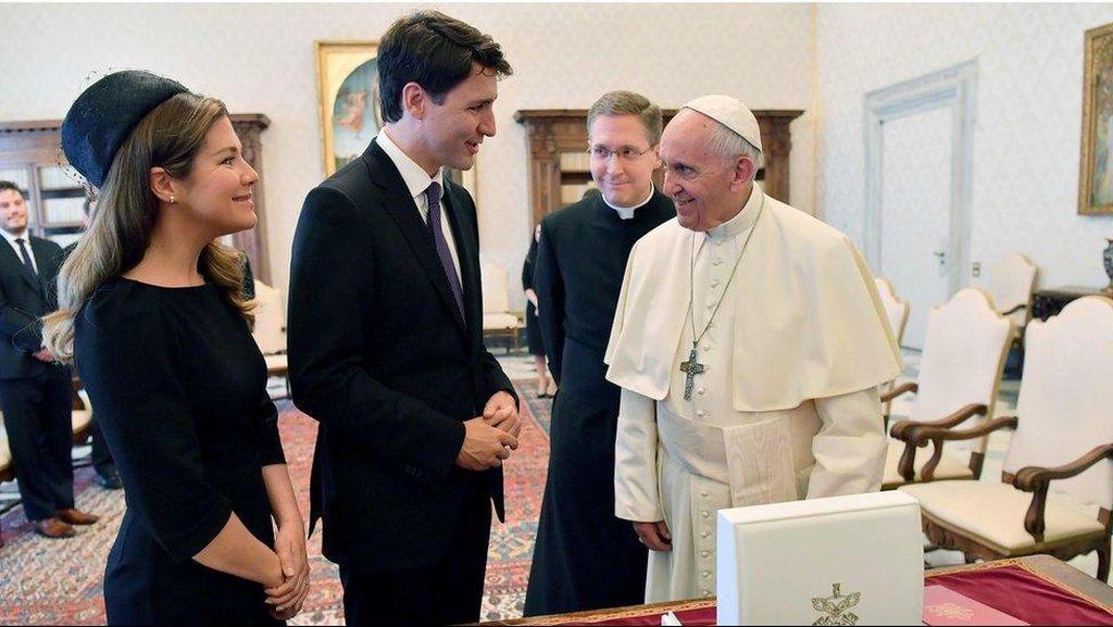 PM Justin Trudeau Sarankan Paus Fransiskus Minta Maaf