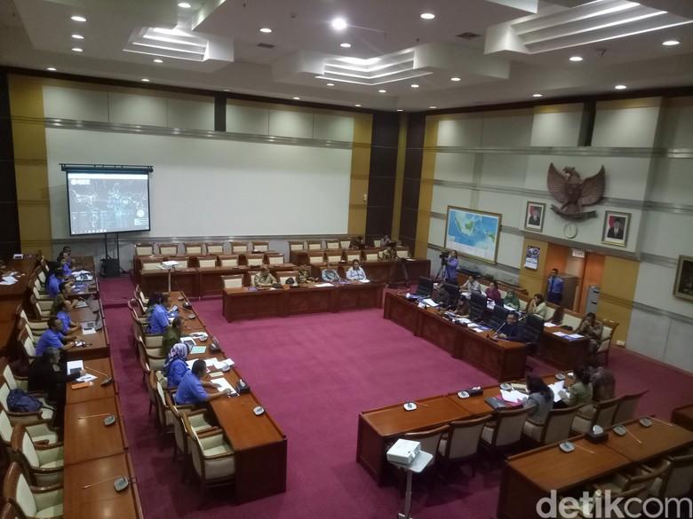 Komisi I Uji Kelayakan 18 Calon Dubes RI, Ada Todung Mulya Lubis