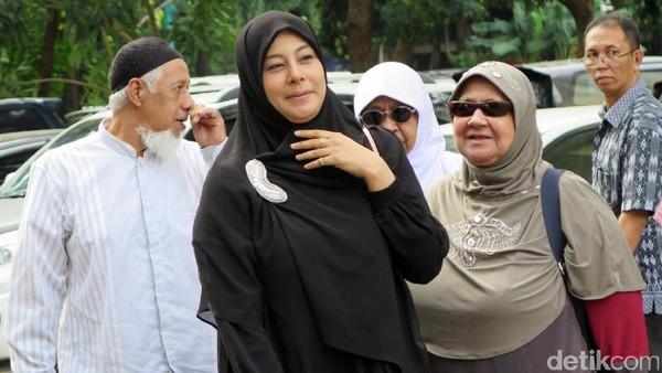 Sidang Vonis Cerai, Putri Aisyah Sudah Siap Menjanda dari Ustad Al Habsyi