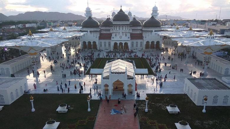 Foto: Masjid Raya Baiturrahman di Banda Aceh (Agus Setyadi/detikTravel)