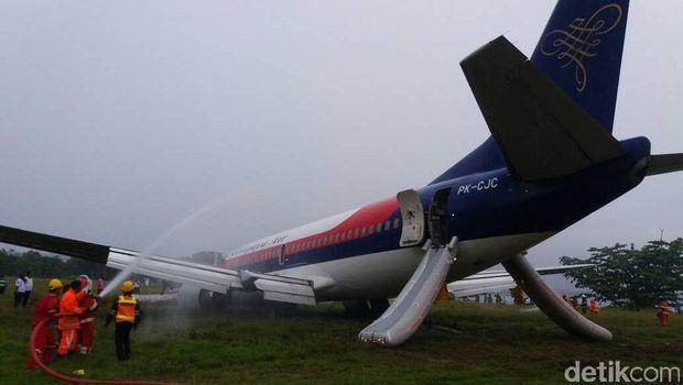 Penampakan Pesawat Sriwijaya Air yang Tergelincir di Manokwari