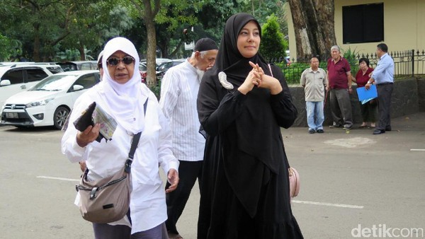 Putri Aisyah Kecewa Dipolisikan Asti Soal Tuduhan Perampasan Ponsel