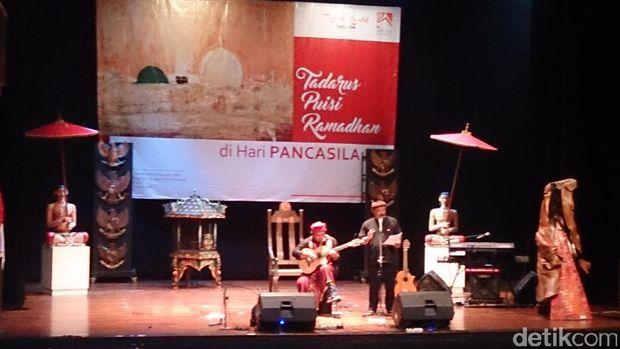 Musikalisasi puisi sejumlah budayawan di Tadarus Pancasila