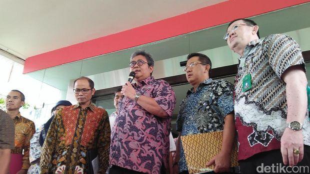 Jumpa pers Kejaksaan Agung soal dugaan korupsi pengeloaan dana pensiun Pertamina, Jumat (2/6/2017)