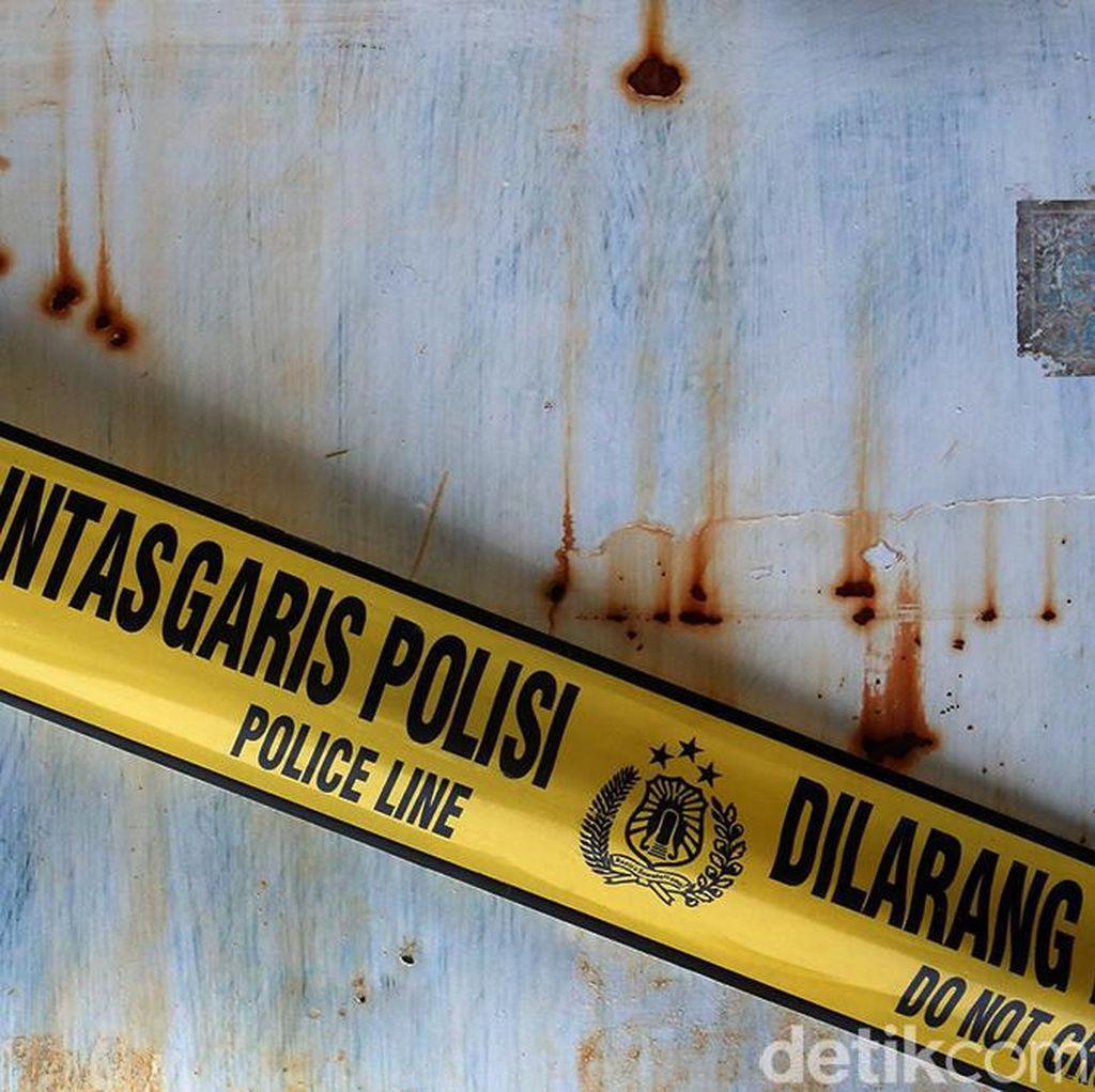 Polisi dan Ormas Gerebek Pesta Waria di Tasikmalaya, Miras Disita