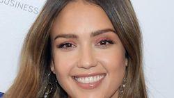 Selamat! Kado Tahun Baru Jessica Alba Lahirkan Anak Ketiga