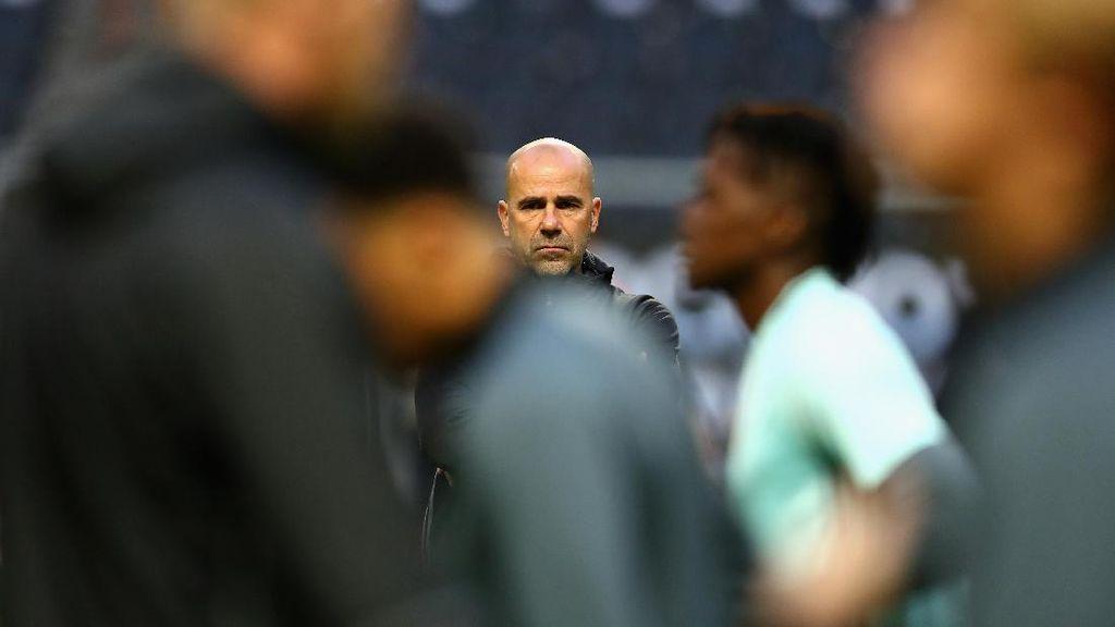 Dortmund Tunjuk Peter Bosz sebagai Pelatih Baru