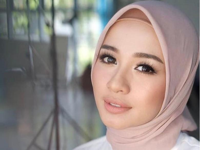 Sudah Ajukan Surat Numpang Nikah, Laudya Cynthia Bella Tutupi Tanggal Nikah