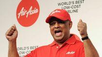 Aksi Kocak Bos AirAsia Buka Pintu Pesawat