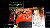Pengacara Harper Lee Tuntut Hak Cipta Broadway To Kill a Mockingbird