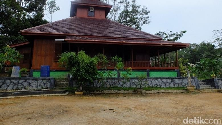 Masjid kayu yang unik di Bangka (Sastri/detikTravel)