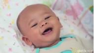 Kapan Sih Bayi Sudah Bisa Tertawa?