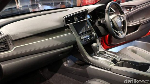 Interior mobil Honda Civic Hatchback Turbo