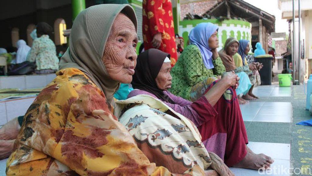Orang Indonesia, Makin Tua Makin Tidak Bahagia