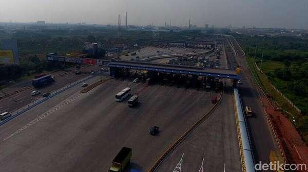 Tol Jakarta-Cikampek Lancar, Hanya Macet Jelang GT Cikarut