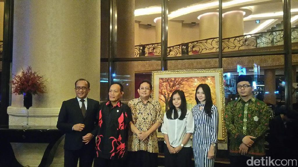 The Trans Luxury Hotel Bandung Gelar Pameran Lukisan Tak Terbatas