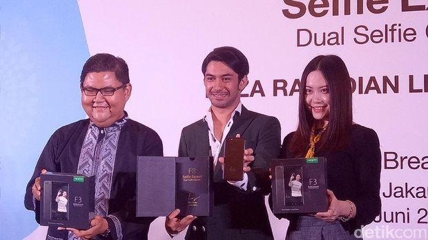 Reza Rahadian Dedikasikan 'Oppo F3 Reza Rahadian' Khusus untuk Fans