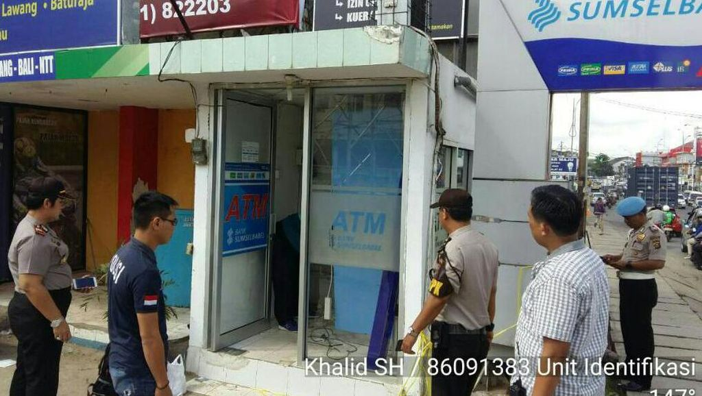 Pencuri Angkut Mesin ATM Bank Sumsel Babel di Palembang