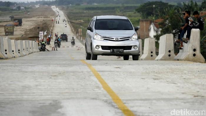 Perjalanan panjang saat mudik berisiko memicu dehidrasi (Foto: Agung Pambudhy)