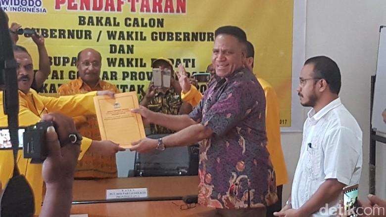 Irjen Paulus Waterpauw Daftar Cagub Papua Lewat Golkar