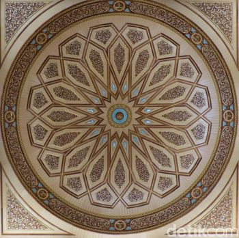 Dekorasi kubah Masjid Nabawi yang indah (Fitraya/detikTravel)