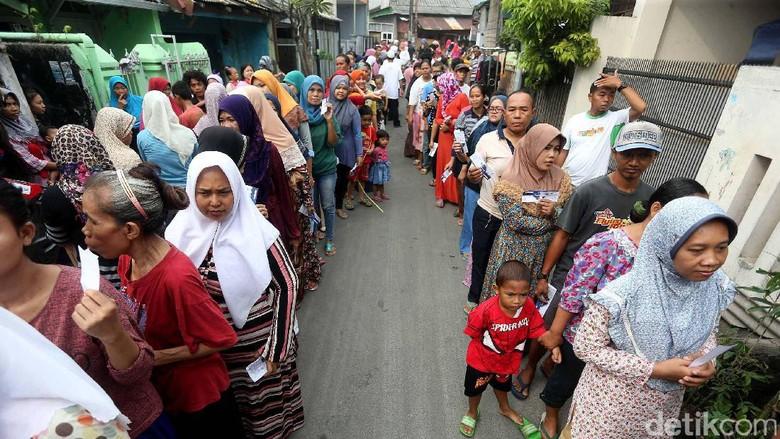 BUMN Bagikan 200.000 Sembako Saat Ramadan
