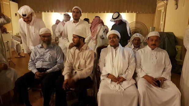 Habib Rizieq bertemu Zakir Naik di Arab Saudi.
