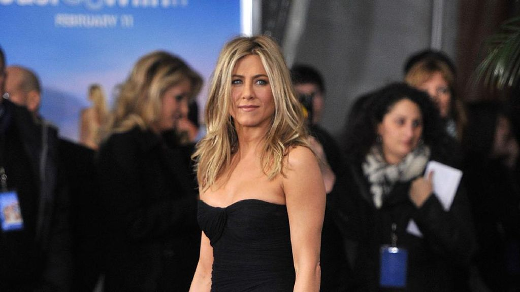 Jennifer Aniston Berhenti Kecanduan Kopi dan Merokok dengan Yoga