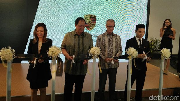 Eurokars Resmikan Kantor Pusat Jakarta