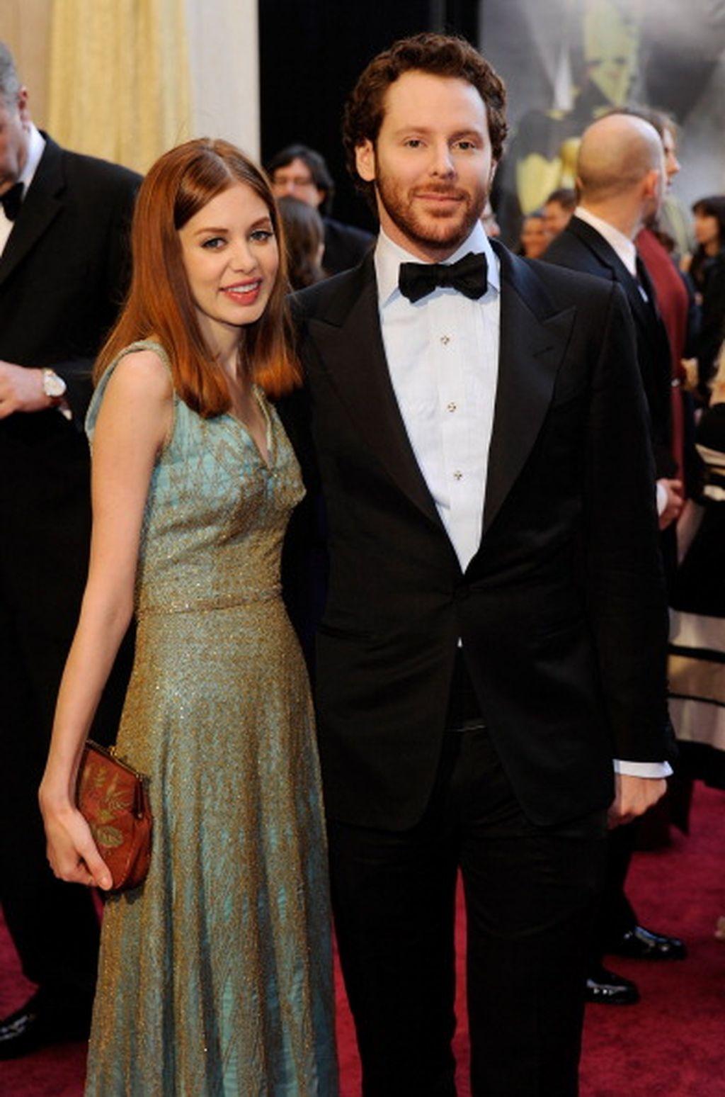 Sean Parker bersama istrinya Alexandra Lenas, seorang penyanyi dan penulis lagu. Foto: Getty Images