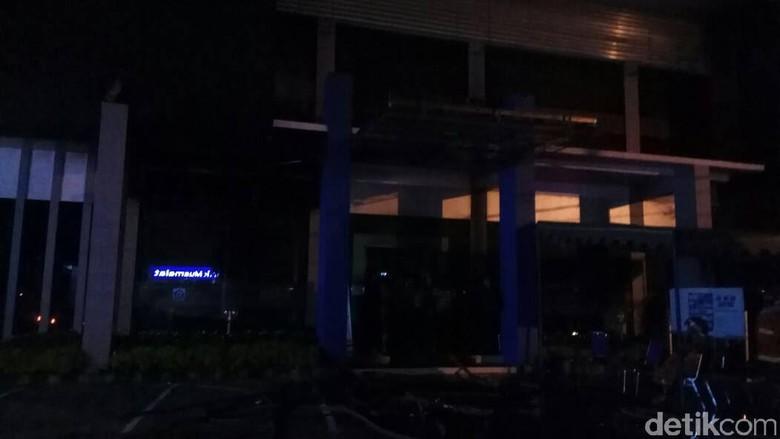 Kantor BPJS Kesehatan di Kediri Dilalap Api