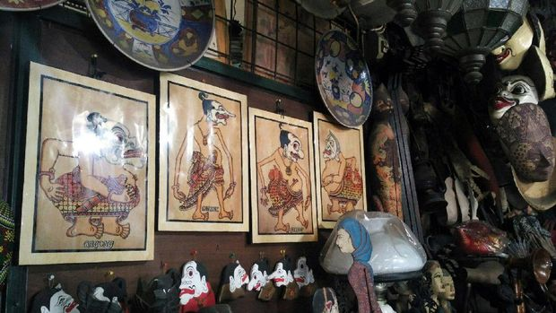 Nuansa etnik Jawa langsung terasa di Pasar Triwindu (Wahyu/detikTravel)