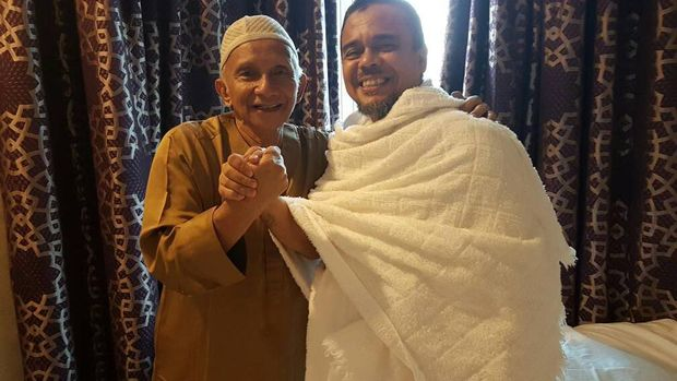 Amien Rais bertemu Habib Rizieq di Arab Saudi.