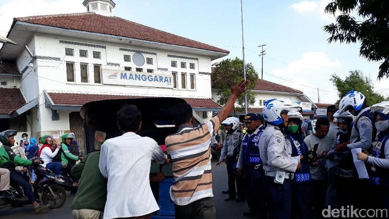 Razia di Manggarai, Dishub DKI Derek 2 Unit Bemo