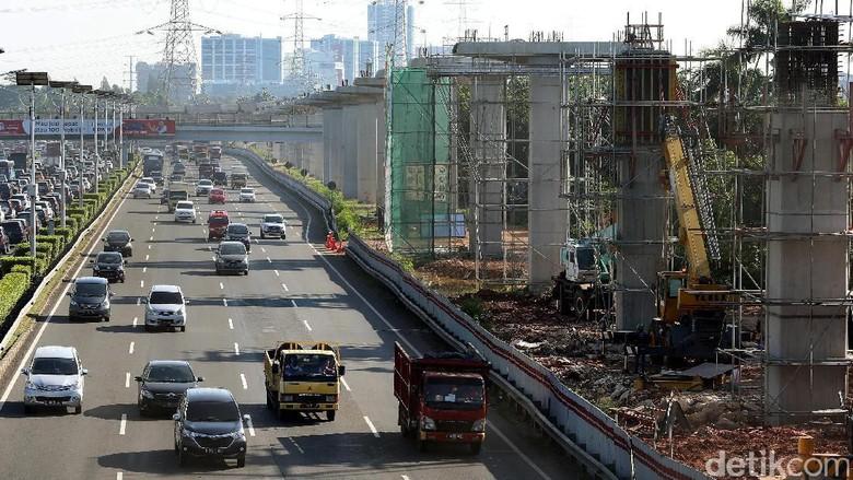 Luhut Sebut Biaya Proyek LRT Bisa Dipangkas Rp 6 Triliun