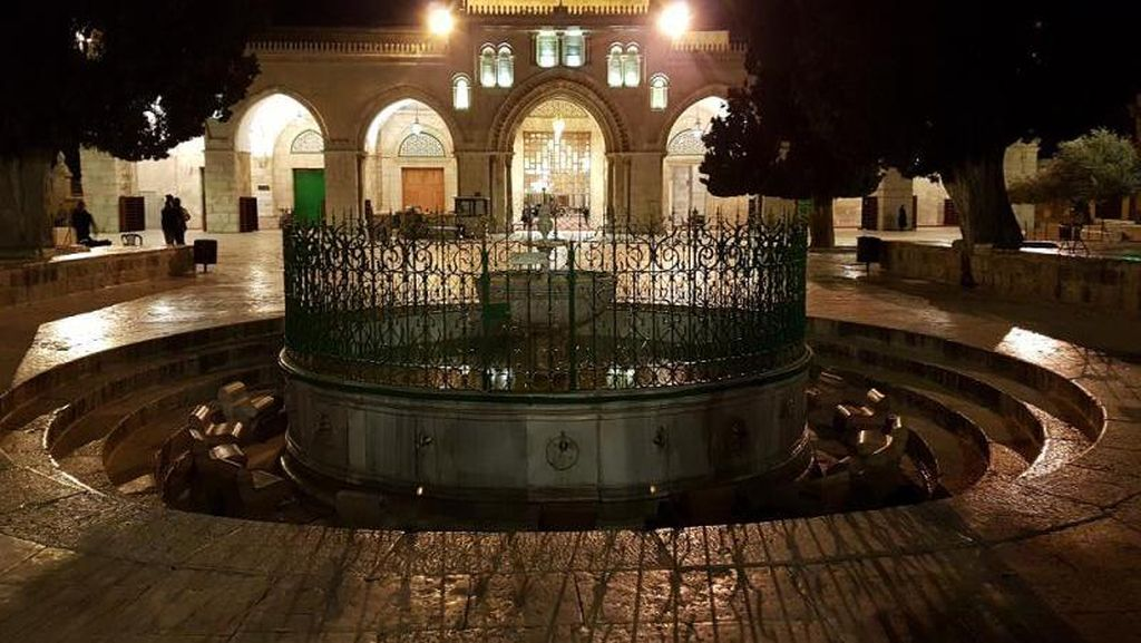 Al Aqsa: Kiblat Pertama Umat Muslim di Perbatasan Israel dan Palestina