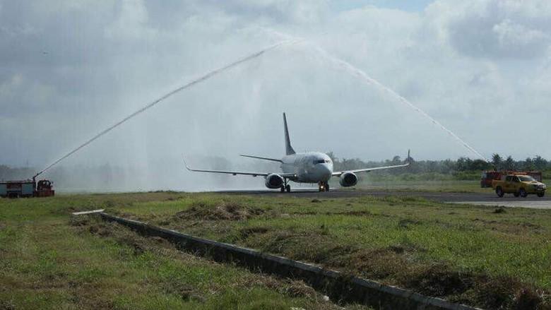 Foto: Pesawat NAM Air mendarat di Banyuwangi (dok Kemenpar)