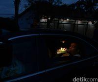 Jokowi berbuka puasa dalam perjalanan dari Cilacap ke Banyumas.