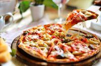 Ups! Ternyata Saat Lakukan Kencan Semalam Pizza Jadi Makanan Favorit