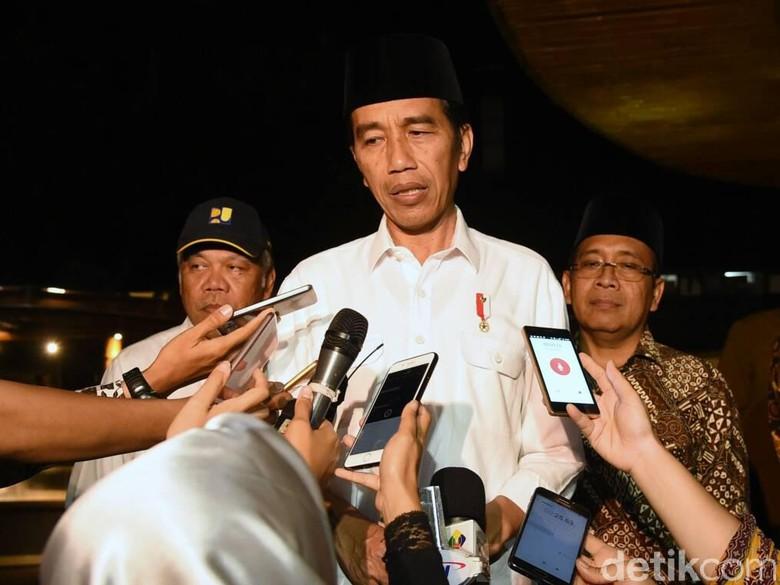 Presiden Jokowi Melayat Istri Hamzah Haz Sebelum ke Istana